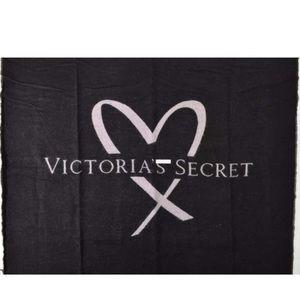 NWT Victoria secret limited edition throw blanket